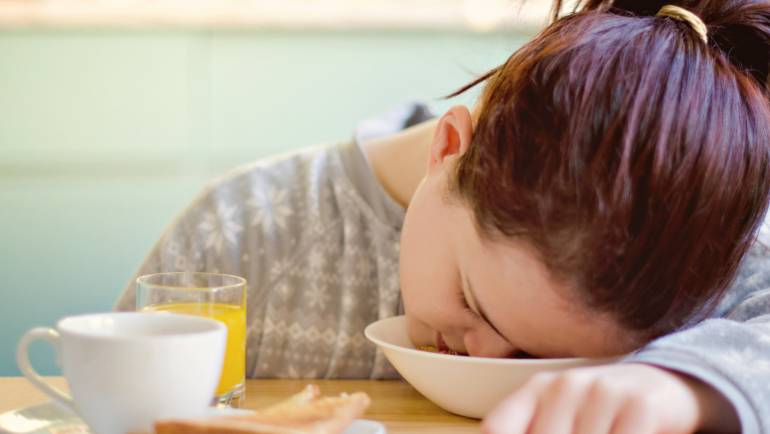 Tidur Setelah Makan, Bahayakah?